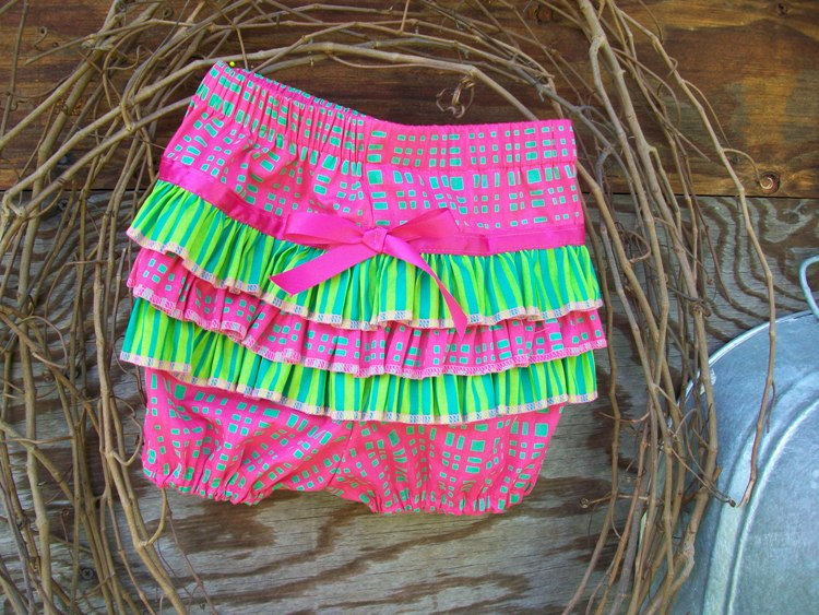 Baby ruffled bloomers, diaper cover size 18 months(6/12months)